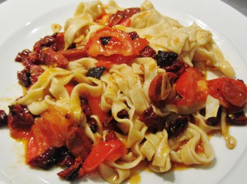 sundried-tomato-chorizo-tagliatelle-500x373
