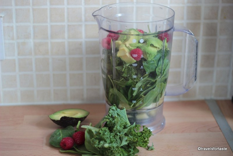 How to make a delicious Green smoothie in minutes!